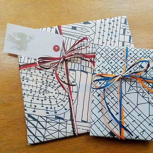 nakabanデザインのオリジナル包装紙をご用意しています